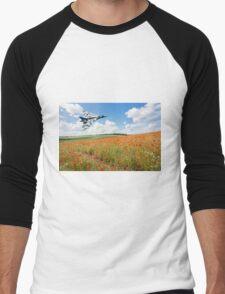 Avro Vulcan B2 bomber over a field of red poppies Men's Baseball ¾ T-Shirt