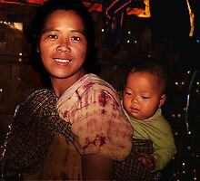Burmese Mother and Child by axalle