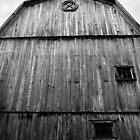 Black and White Barn by KathrynSylor