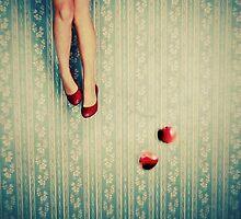 Snow White in Wonderland by Julie de Waroquier