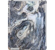 Waiting for the moon..... iPad Case/Skin