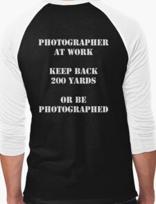 Photographer at work Men's Baseball ¾ T-Shirt