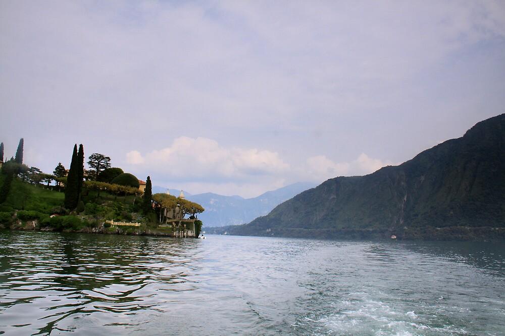 Italian Lake by smallan