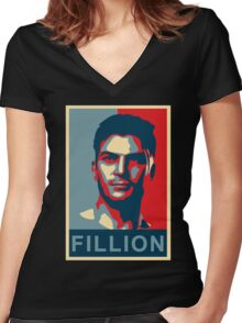 FILLION Women's Fitted V-Neck T-Shirt