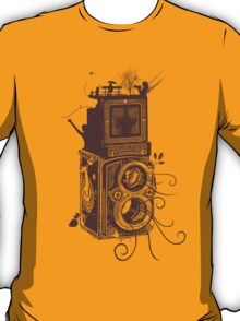 Retro Rolleiflex - Evolution of Photography - Vintage #2 T-Shirt