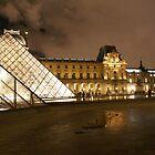 La grande Pyramide et le Louvre, Paris by Reneefroggy