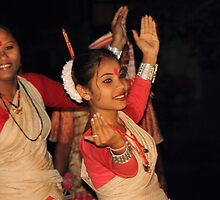 Bengali Dancers#1 by picketty