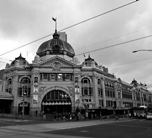 Flinders Street Station by Matt  Williams