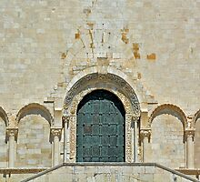 Back entrance cathedral Trani by Arie Koene