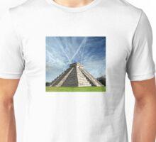 Ancient Chichen Itza Mayan Kukulcan pyramid in Mexico Unisex T-Shirt
