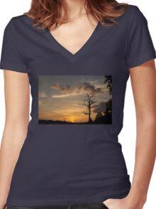 Sunset Tree Women's Fitted V-Neck T-Shirt