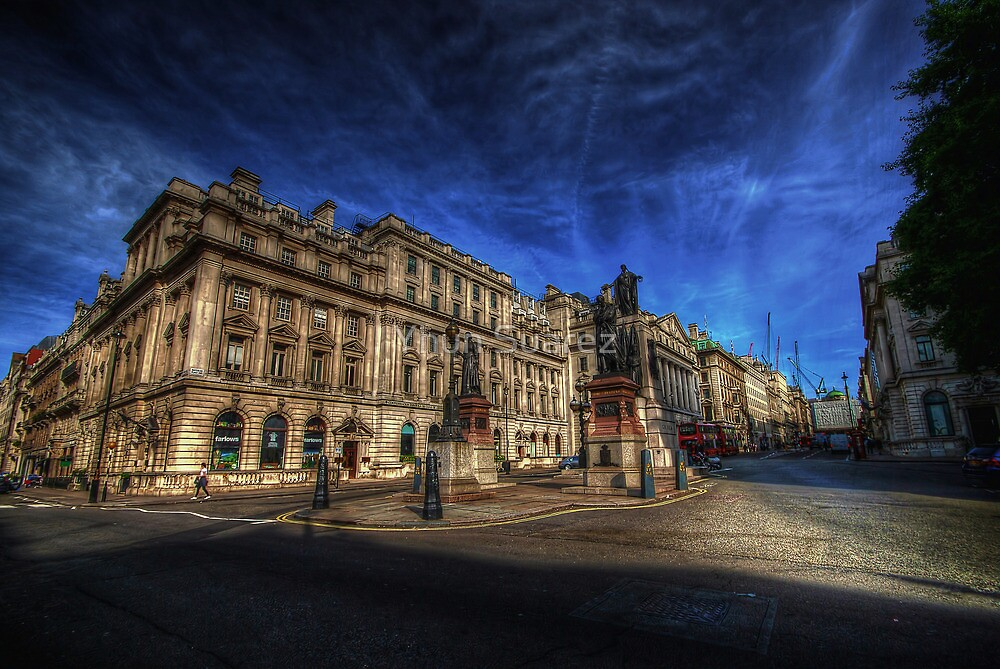 Waterloo Place  by Yhun Suarez