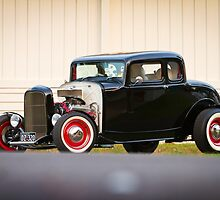 Barry's 1932 Ford 5-Window Coupe by HoskingInd