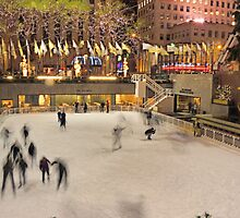 Skating in Rockefeller Center - New York City by Shutter and Smile Photography