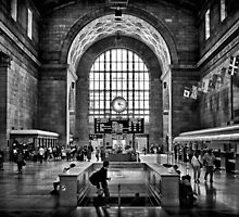 Toronto Union Station 3:23PM by Brian Carson