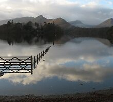 Derwentwater, from Crow Park (Lake District, UK) by Peter  Thomas