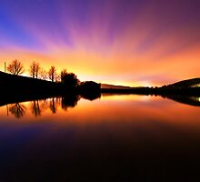 Dovestones reservoir by johnfinney