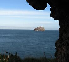 141 - BASS ROCK - DAVE EDWARDS - 2010 by BLYTHPHOTO