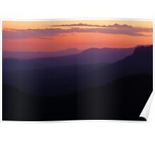 101229 Blue Mountians Echo Point at dusk Poster