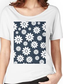 Navy Fun daisy style flower pattern Women's Relaxed Fit T-Shirt