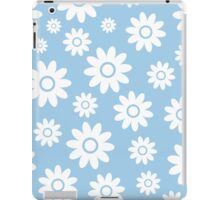 Light Blue Fun daisy style flower pattern iPad Case/Skin