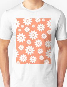 Coral Fun daisy style flower pattern T-Shirt