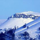 Berwyn Mountains in Winter beauty by vonniepyn