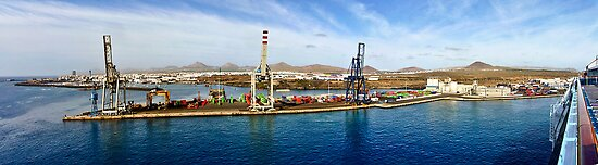 Arrecife port in Lanzarote by RecipeTaster