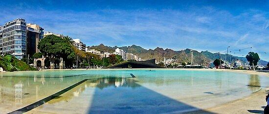 Santa Cruz de Tenerife by RecipeTaster