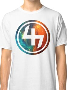 47 ORANGE AND BLUE NEBULA CIRCLE Classic T-Shirt