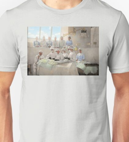 Doctor - Operation Theatre 1905 Unisex T-Shirt
