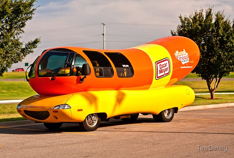 If you are planning to carjack a vehicle and lead police on a high-speed chase, this would be the wrong vehicle in which to attempt it! Nothing is quite as noticeable in traffic as the eye-catching Oscar Mayer Wienermobile.