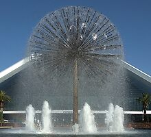 The Fountain - Perth by Hans Kawitzki