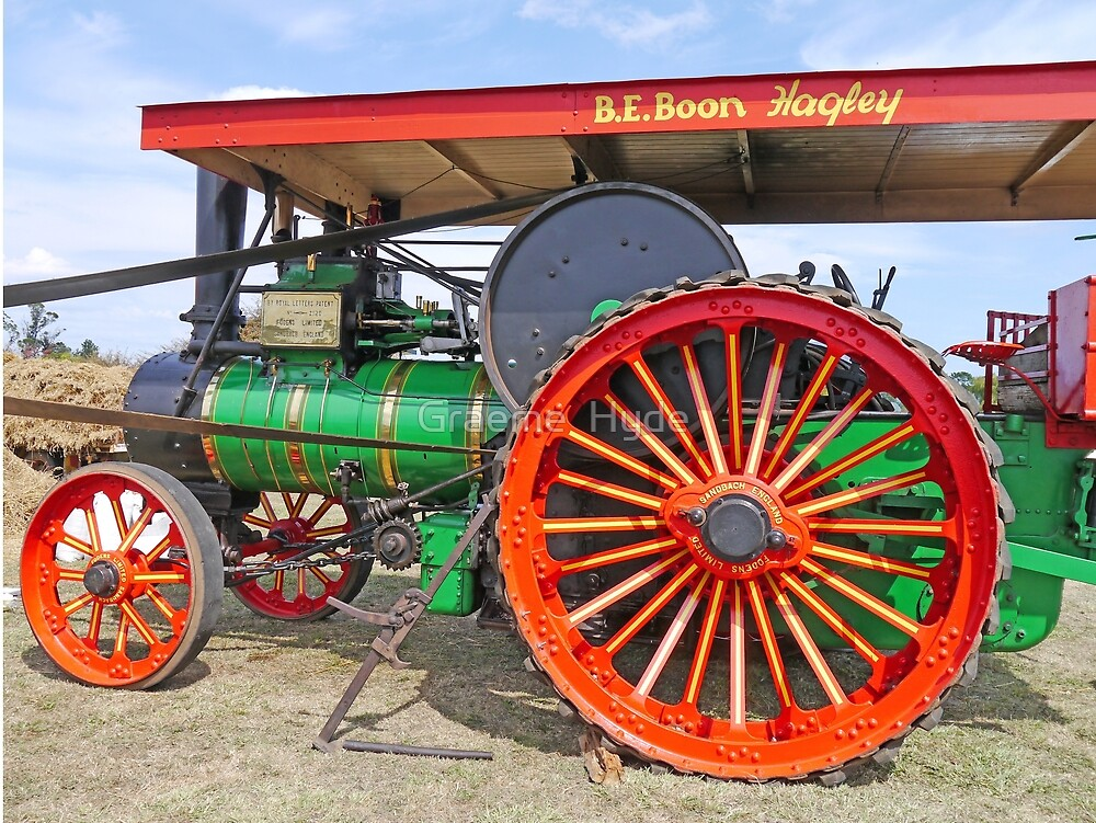 Foden Steam Traction Engine by Graeme  Hyde