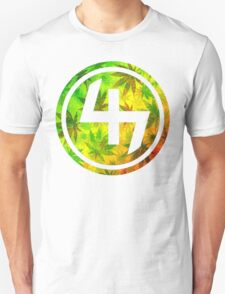 47 RED YELLOW GREEN RASTAFARIAN WEED CIRCLE  T-Shirt