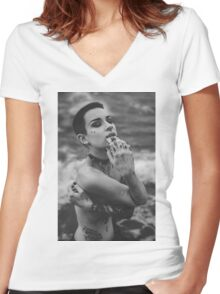 Nude Girl - NudeART Women's Fitted V-Neck T-Shirt