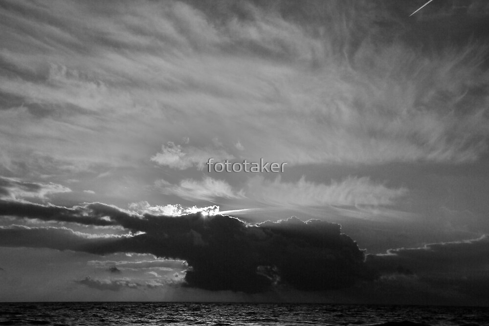 Comes the Storm by fototaker