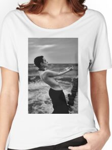 Nude Girl - NudeART Women's Relaxed Fit T-Shirt