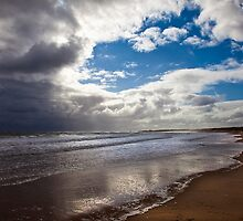 Northumbrian beach scene by Violaman