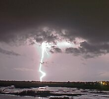 "Lake  ""O"" lightning by Larry  Grayam"
