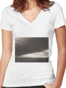 Great storm Women's Fitted V-Neck T-Shirt