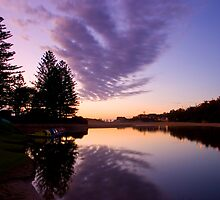 Terrigal lagoon by thorpey