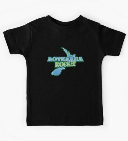 AOTEAROA rocks (NEW ZEALAND) awesome Kids Tee