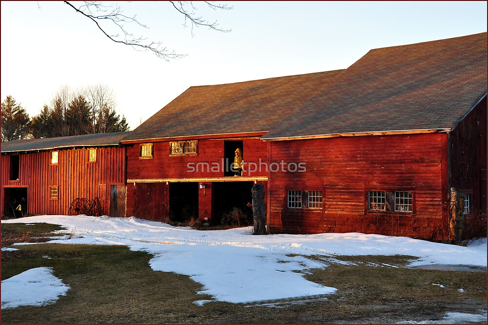 Red Barn  by smalletphotos