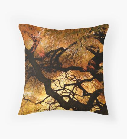 the dragon's lair Throw Pillow