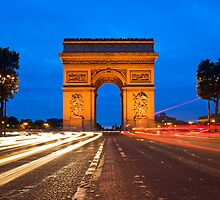 Arc de Tiomphe - Paris, France by Yen Baet
