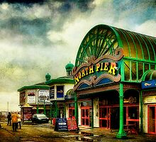 North Pier Blackpool by Tarrby