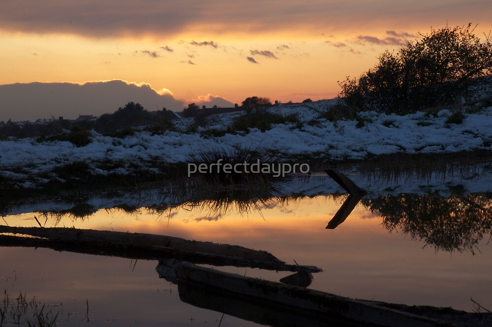 Winter Dew Pond by perfectdaypro
