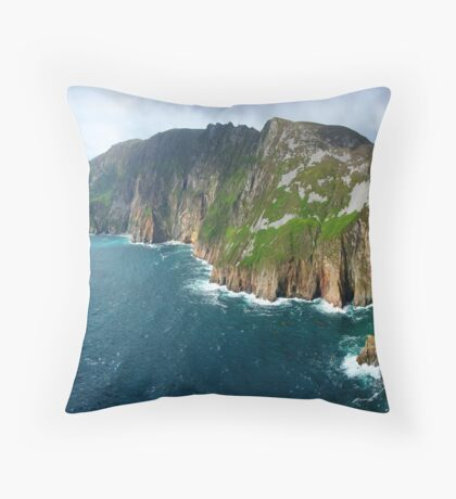 sleive league Throw Pillow
