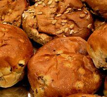 Fresh bread buns by patjila